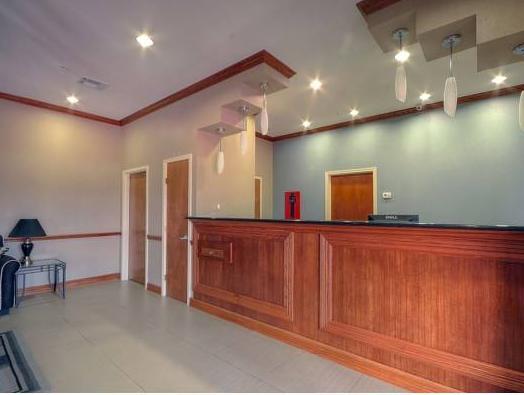 Days Inn By Wyndham Baytown East