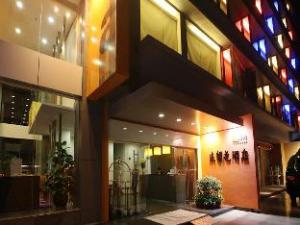 فندق إيلان (Hotel Elan)