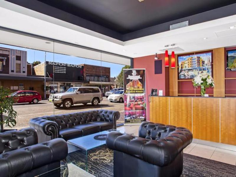 Review Boulevard on Beaumont