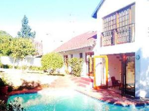 Mizizi House Of Sandton Bed and Breakfast