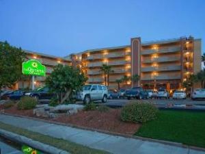 La Quinta Inn & Suites Cocoa Beach Oceanfront के बारे में (La Quinta Inn & Suites Cocoa Beach Oceanfront)