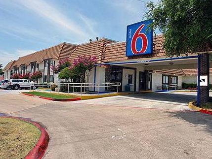Motel 6 Dallas   Duncanville