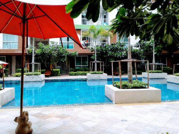 Apartment near pool family Bangkok