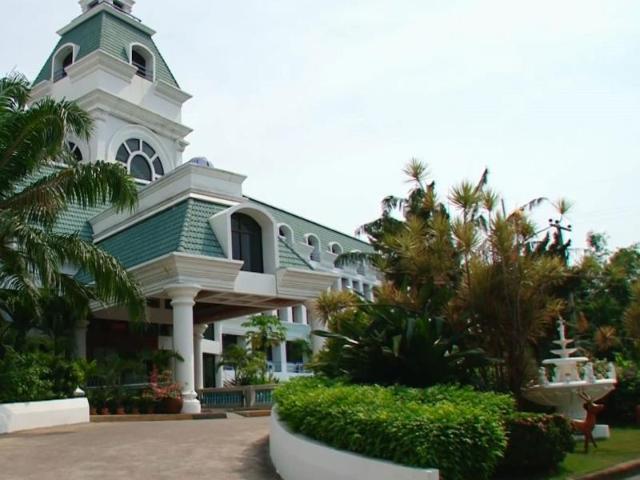 โรงแรมคาเมลอท – Camelot Hotel