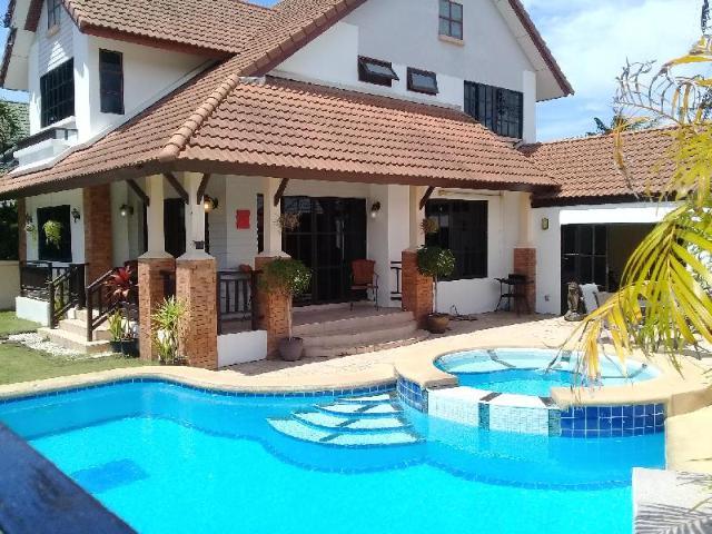 4 ห้องนอน 3 ห้องน้ำส่วนตัว ขนาด 400 ตร.ม. – เขาตาโล – 4 Bedroom House & Private Pool – Pattaya