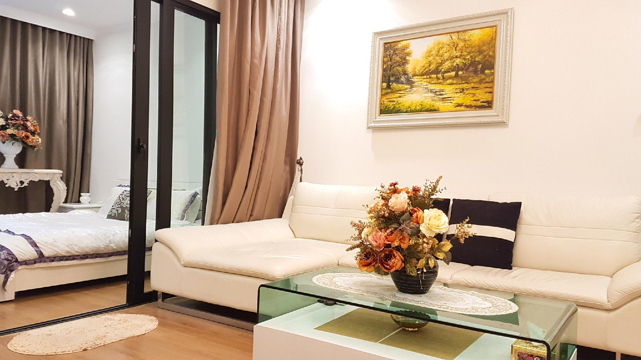 Royal City Apartment   In Ha Noi Center
