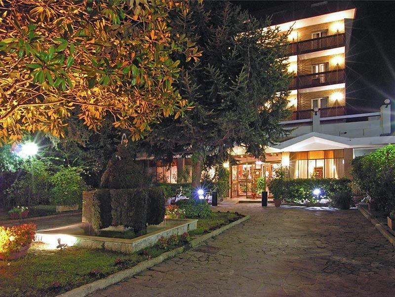 Pinewood Rome Hotel