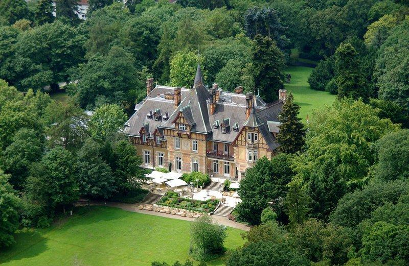Villa Rothschild Autograph Collection