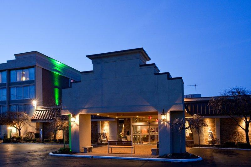 Holiday Inn Cleveland Mayfield Hotel