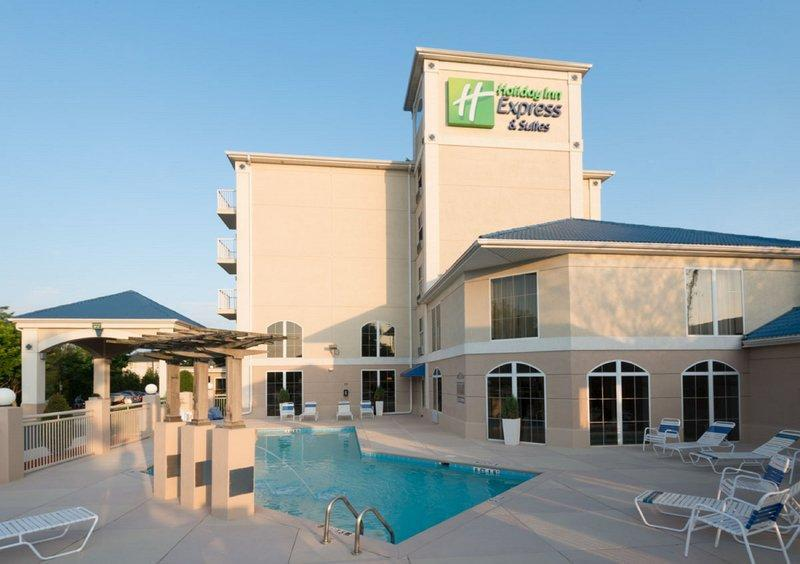 Holiday Inn Express And Suites Asheville SW   Outlet Ctr Area