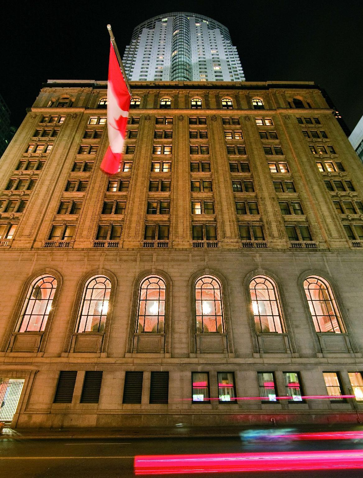 One King West Hotel And Residence