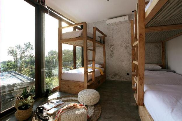 Bong Hostel