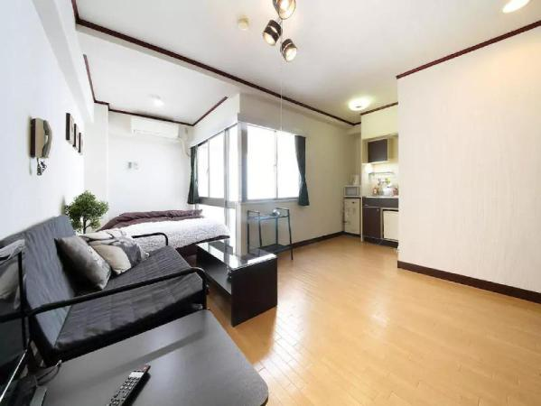 City Center Apt Near OsakaCastle WIFI 3min sta3 Osaka