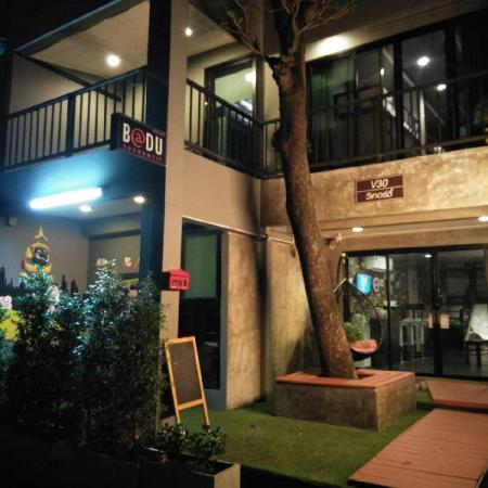 Badu Hostel Sukhumvit Bangkok