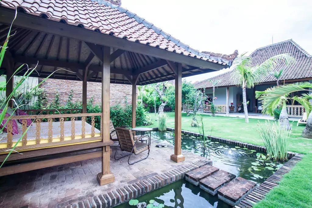Luxury Joglo Traditional Modern Villa Kuwum