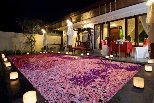 Romantic Private Pool Villa in Kuta Bali