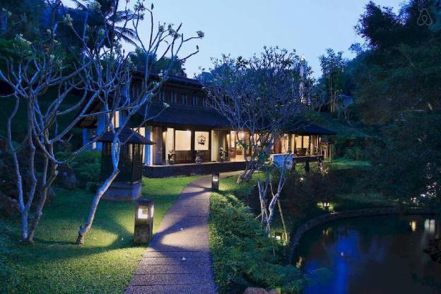DuaDari Stunning two bedroom designer home