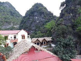 Tràng An Mountain House