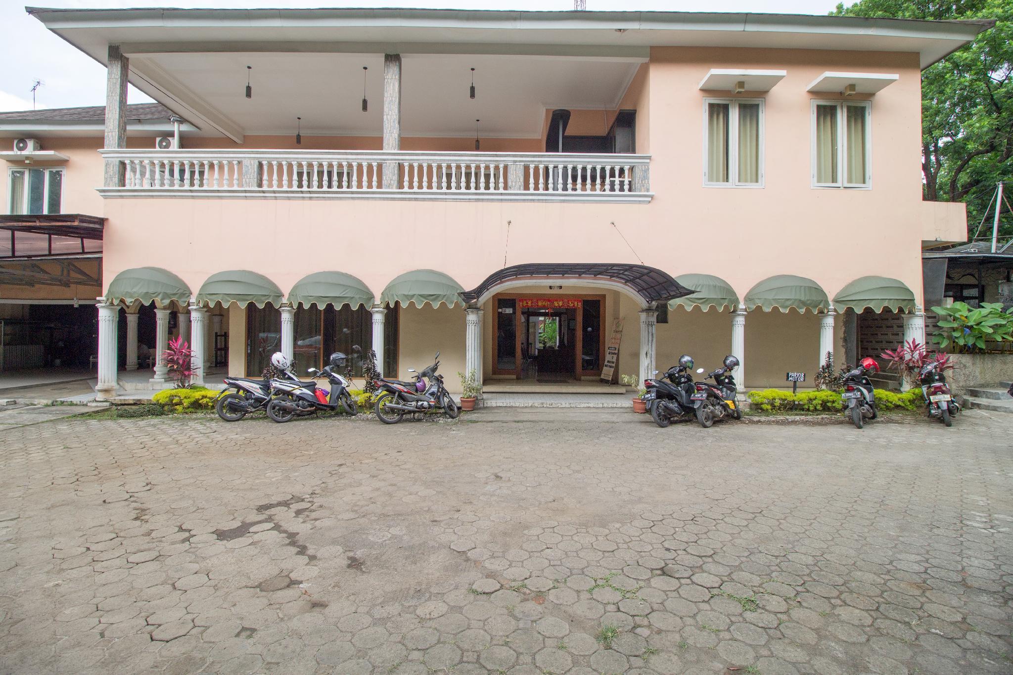 RedDoorz Near Kebun Raya Bogor