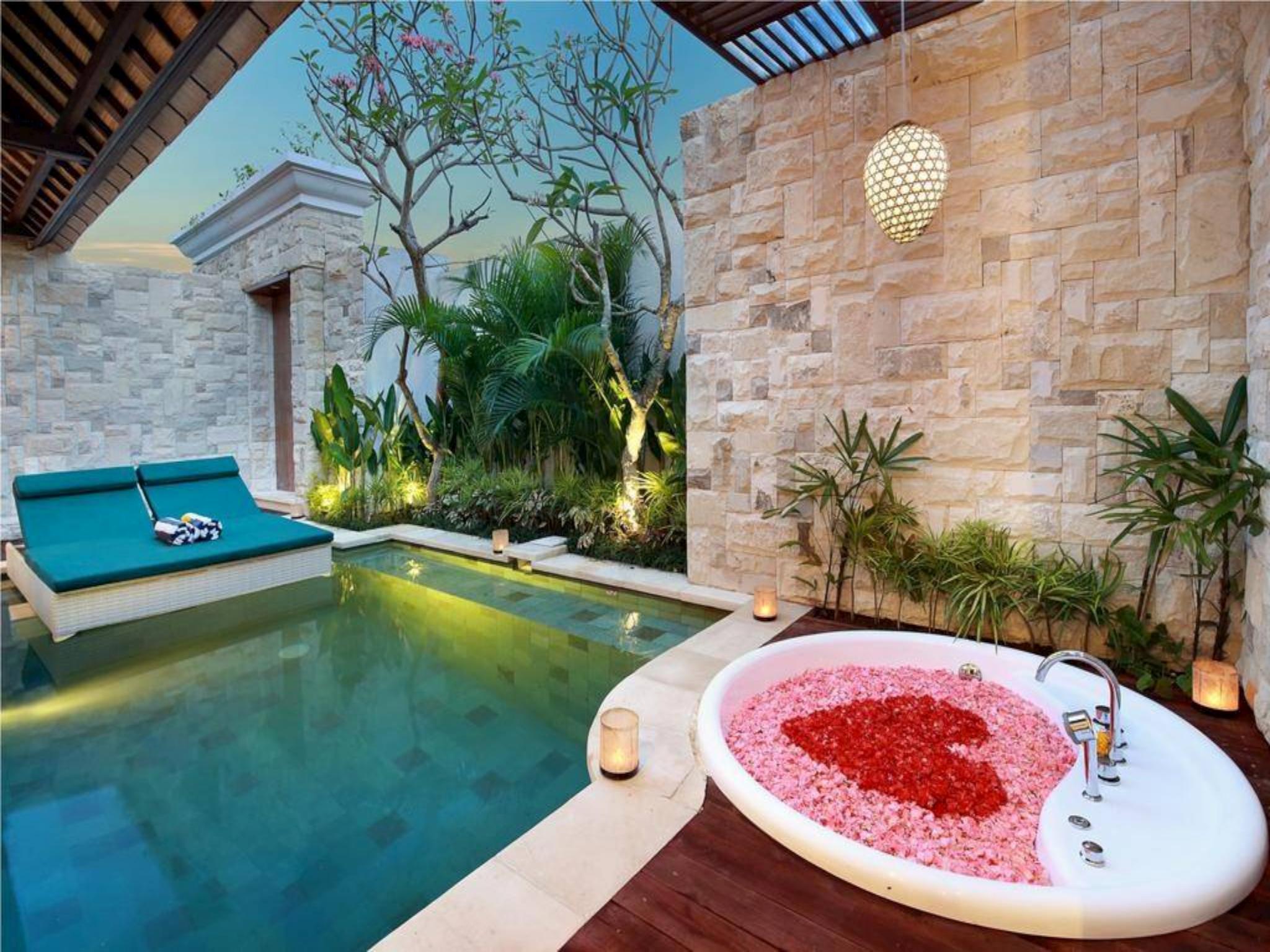 Top 1# Romantic Villas In Seminyak | Private Pool