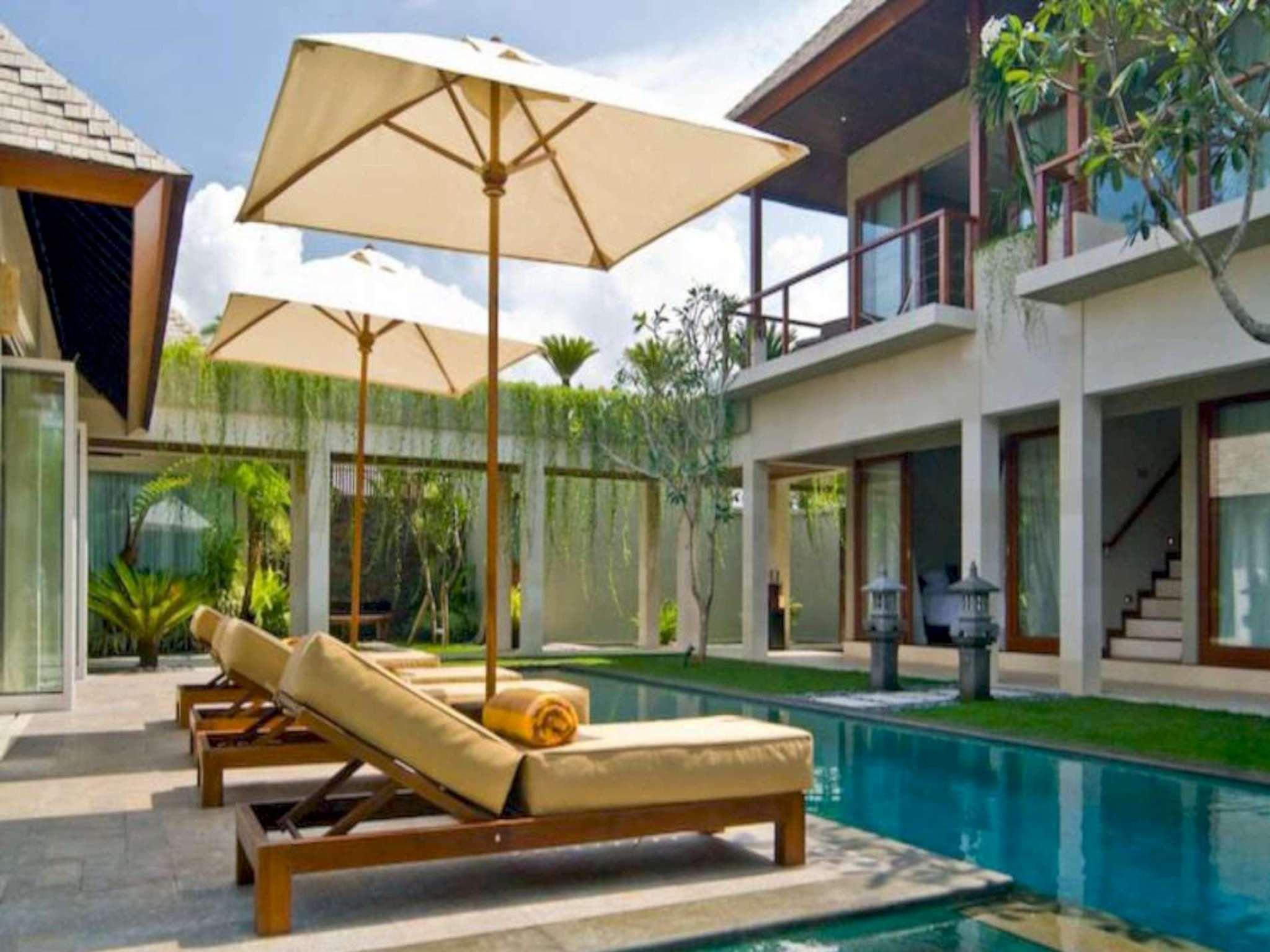 5 BDR Luxury Villa Walking Distance To The Beach