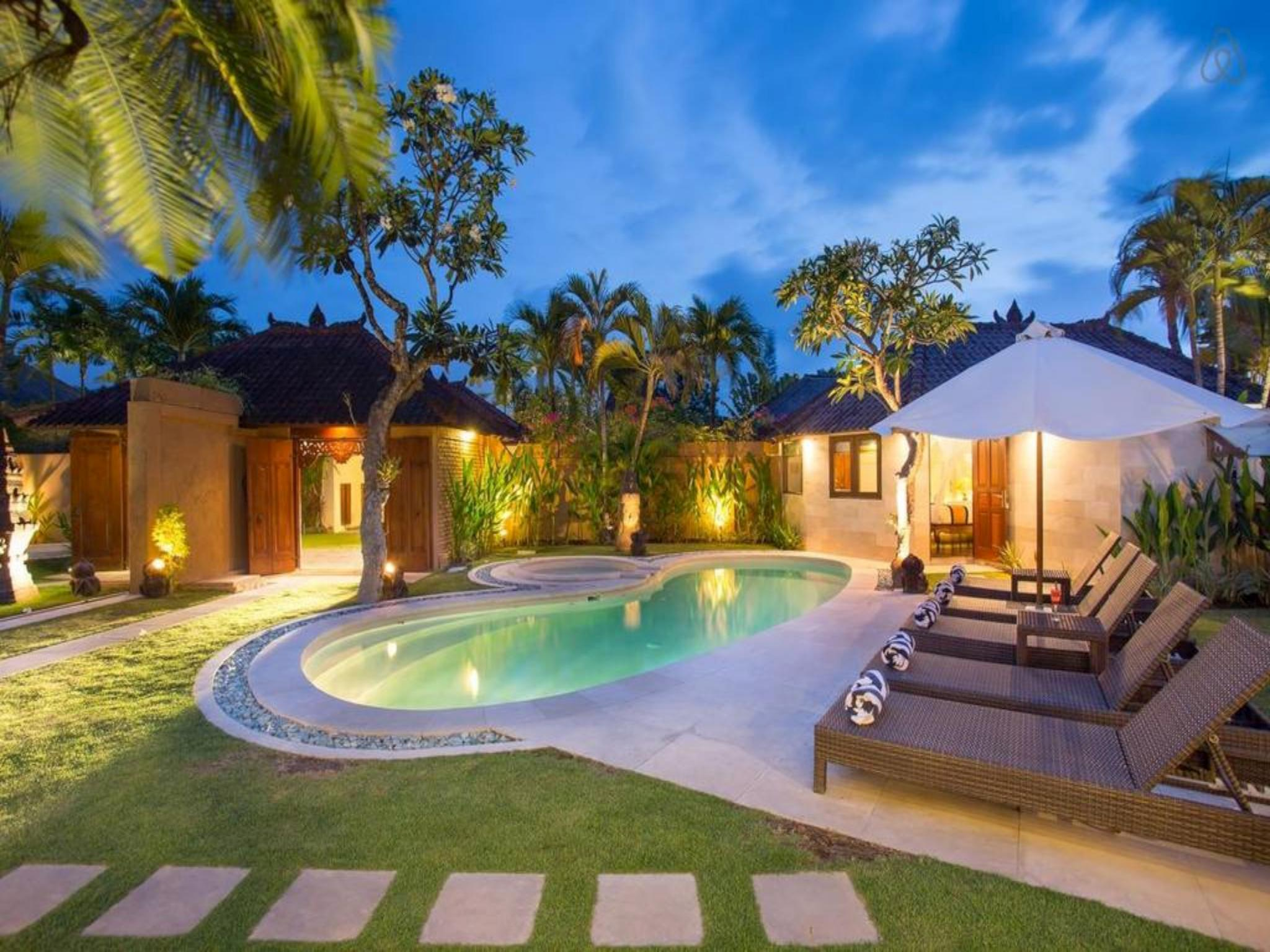 About 4 BDR Villa Private Pool In Seminyak