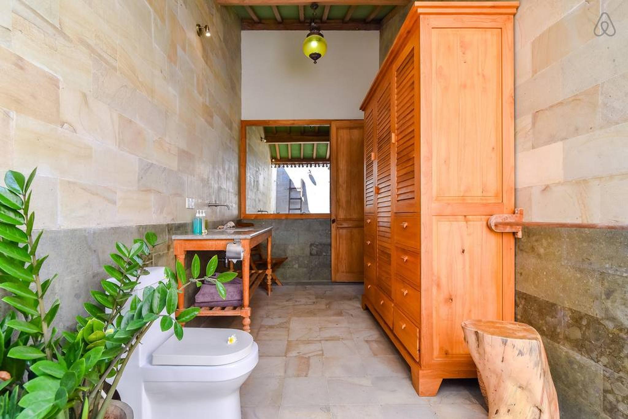 Review Villa Singa, Sumberkima Hill