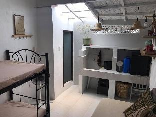 picture 5 of Super Central Budget Backpacker Apartment