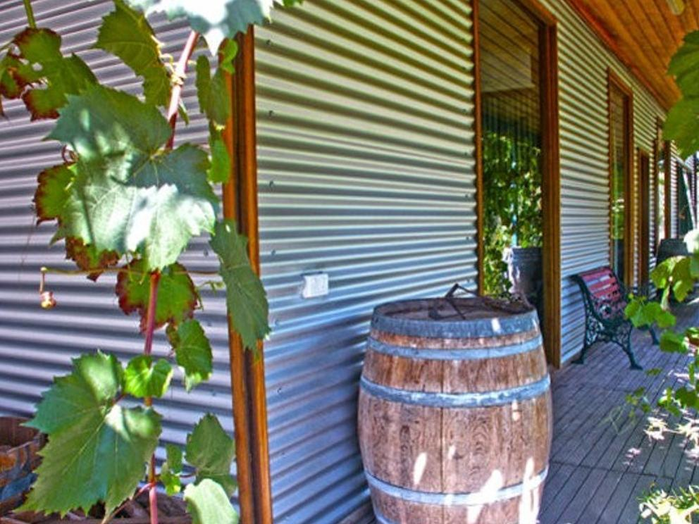 Valley Farm Vineyard Cottages