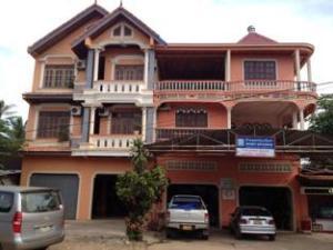 Phoukham Hotel