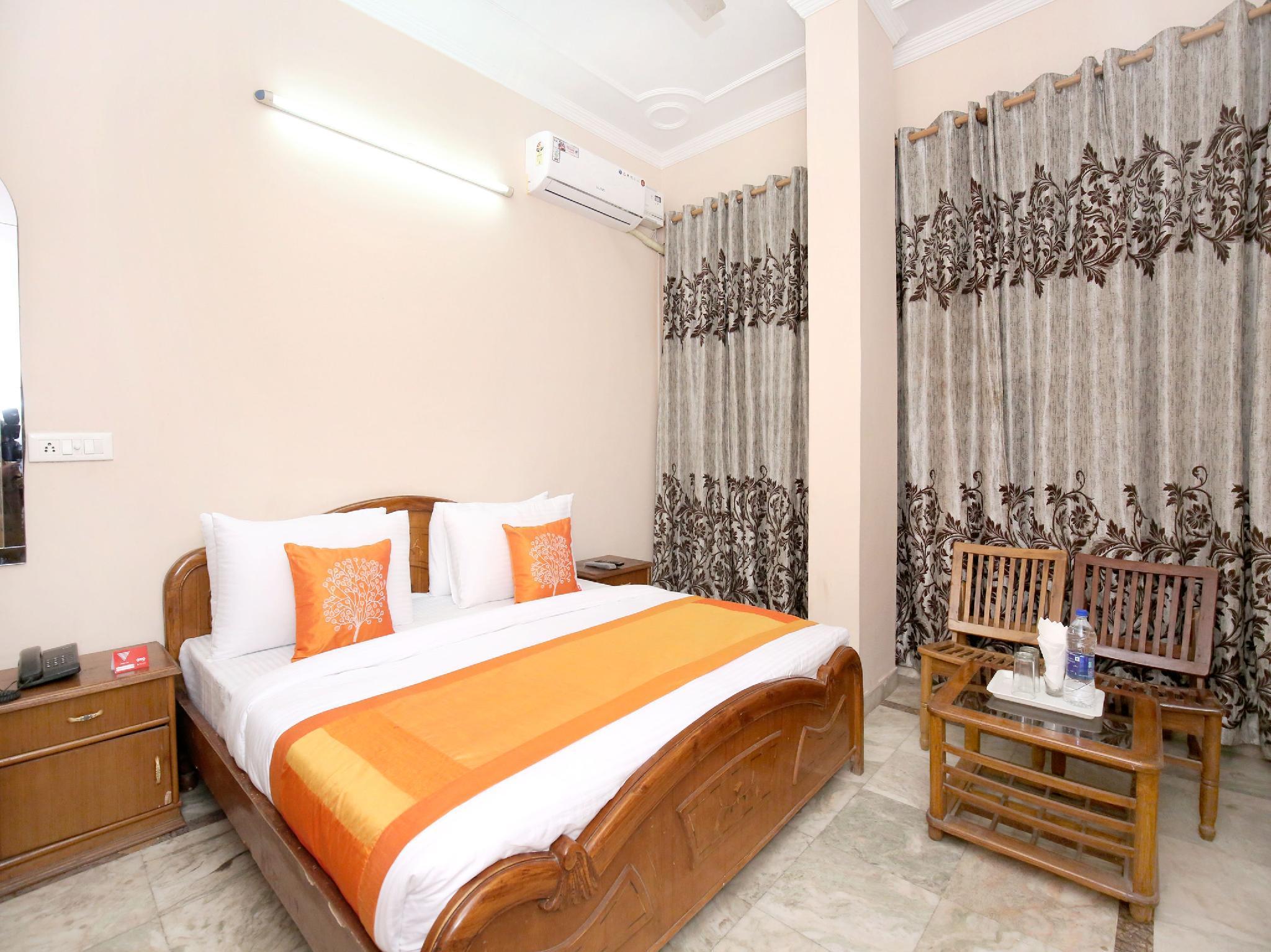 OYO 11377 Hotel Kings Residency