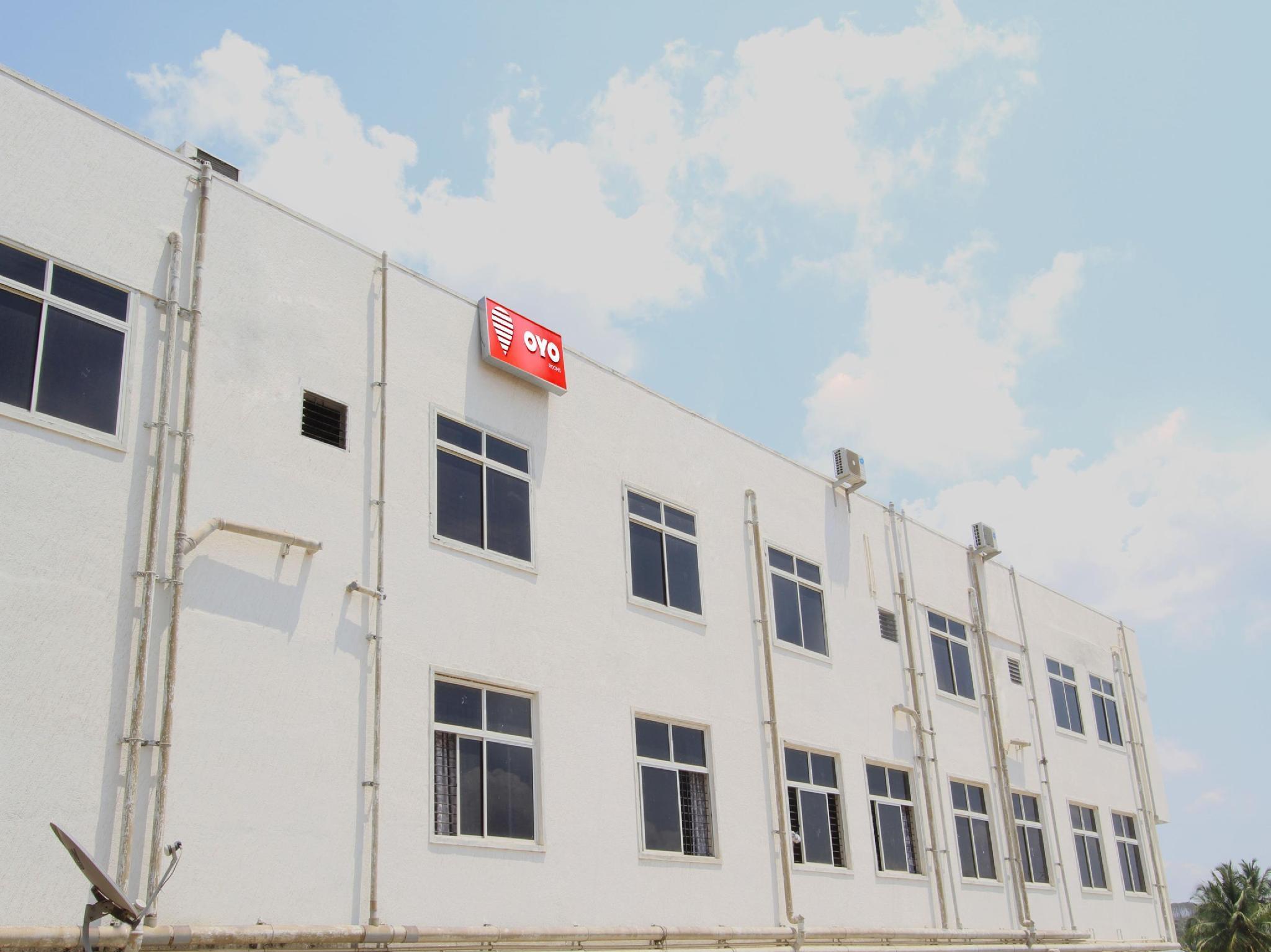 OYO 6787 Sri Sai Residency