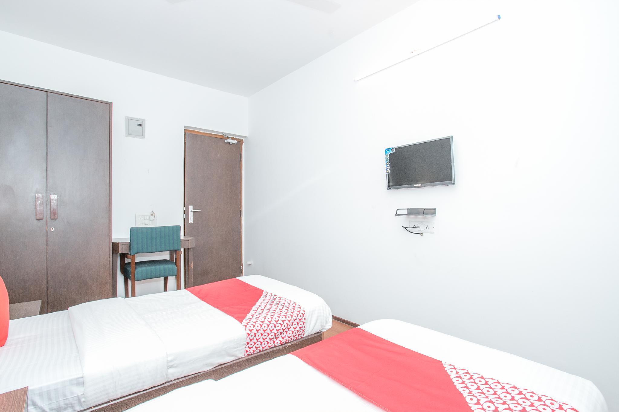 OYO 12525 Aditya Inn