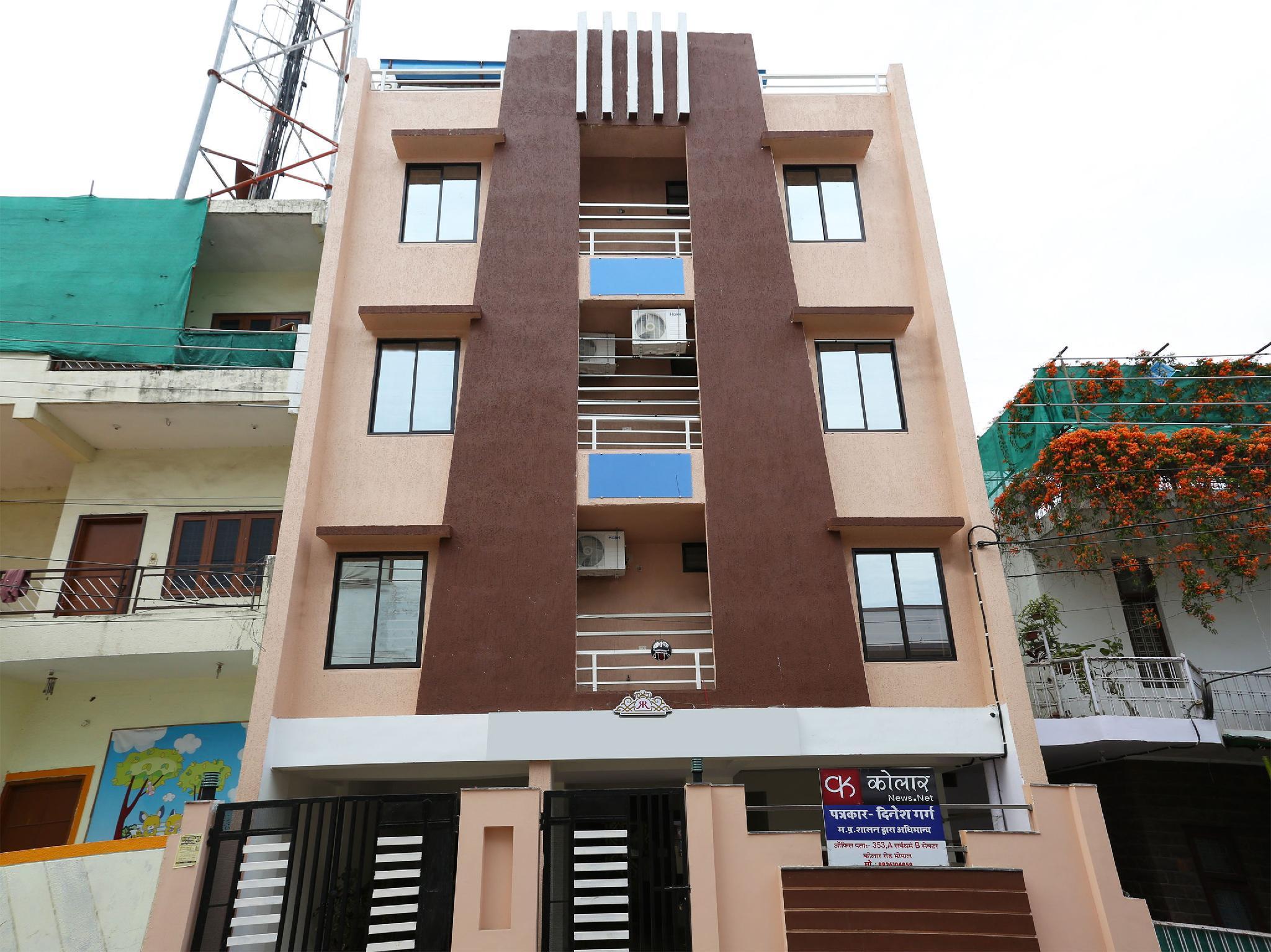 OYO 12127 Radhika Palace