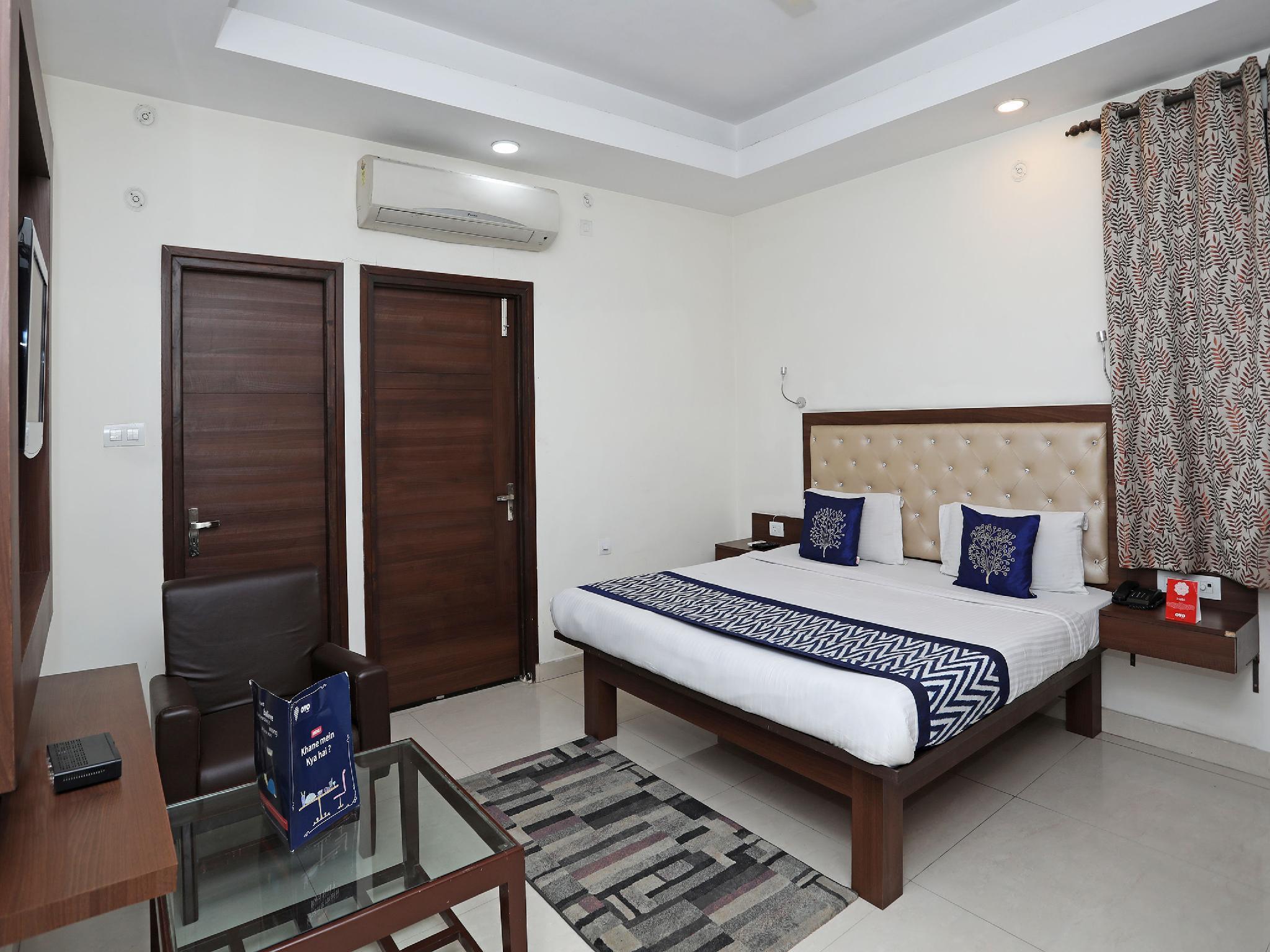 Capital O 680 Hotel Ranjana Heritage