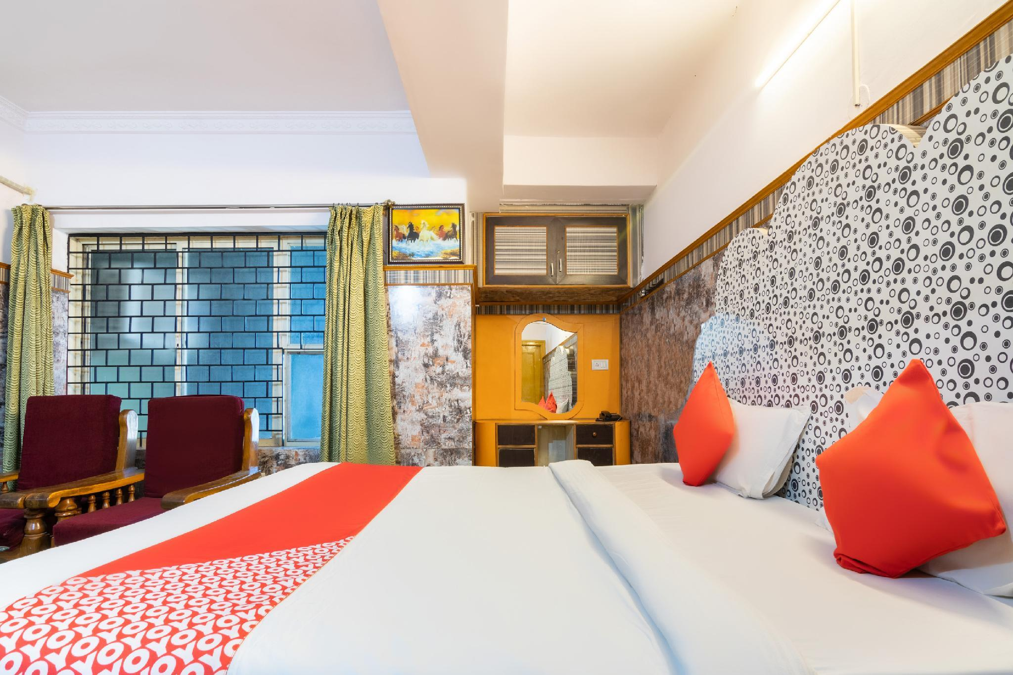 OYO 6889 Elite Deluxe Rooms