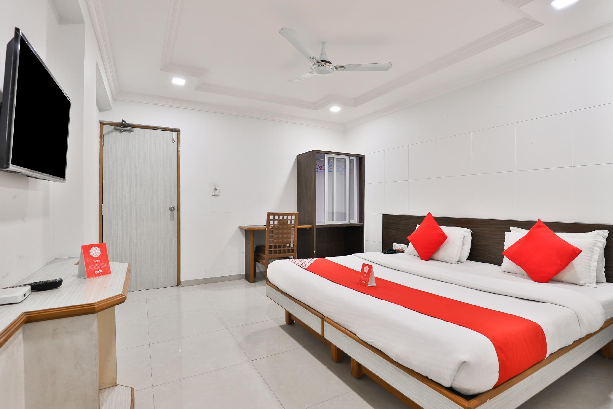 OYO 9351 Hotel RVG