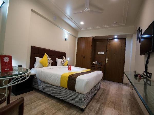 Capital O 9721 Hotel SR Rooms Pune