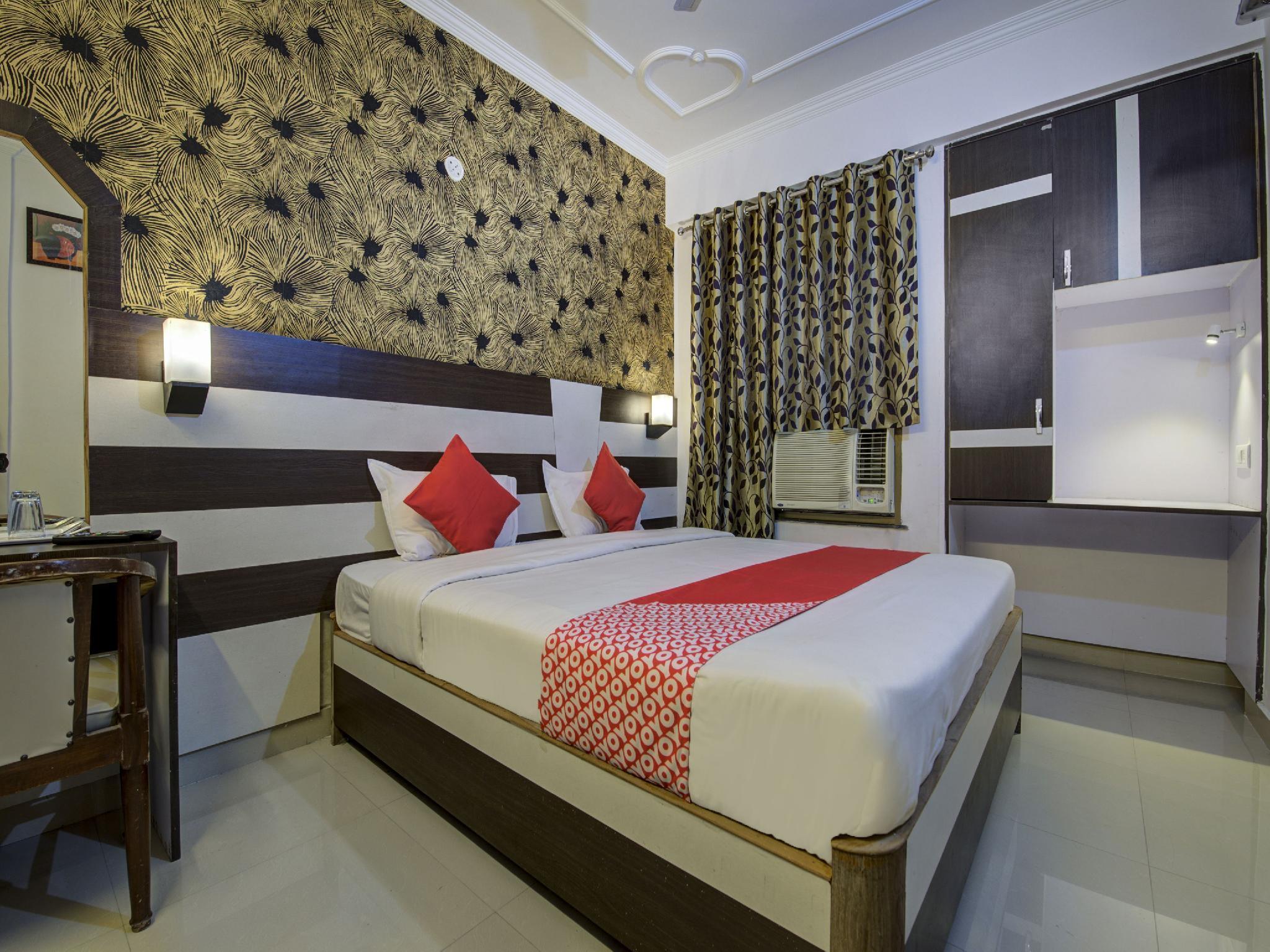 Hotel Mani International