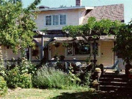 HOLLYHOCK COUNTRY HOUSE   BED AND BREAKFAST   ADULTS ONLY