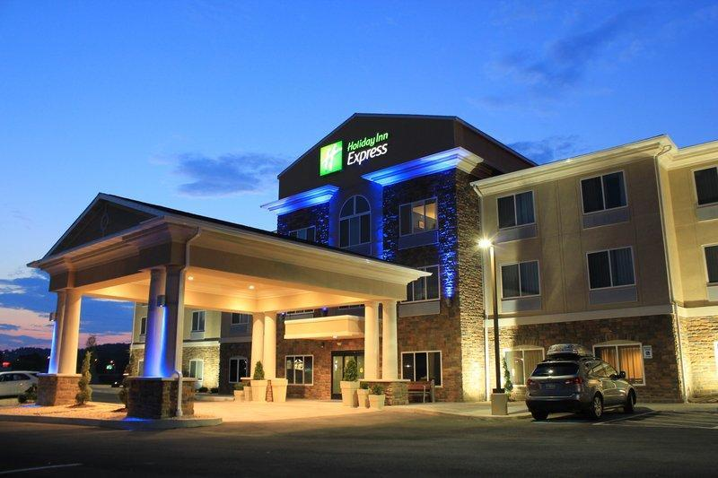 Holiday Inn Express And Suites Belle Vernon