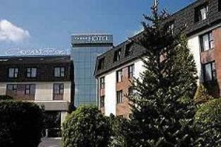 Crown Piast Hotel And SPA