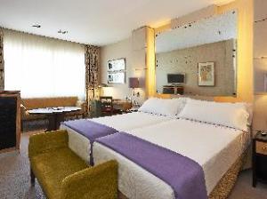 فندق هيسبيريا بريزيدنت (Hesperia Presidente Hotel)