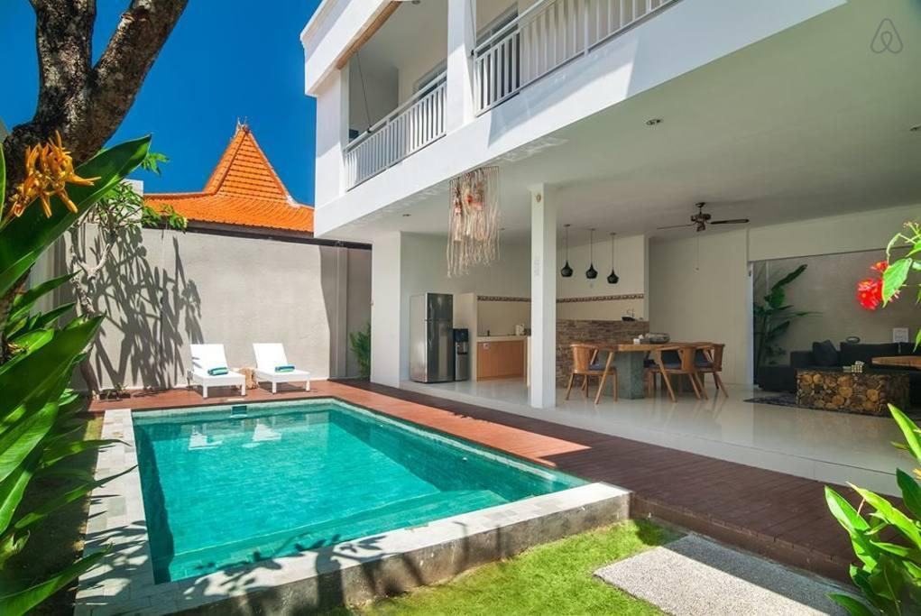 Brand New Two Bedroom Villa With A Minimalist Design In The Fashionable Oberoi Area
