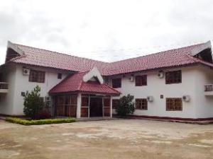 サイフォウサフォンク ホテル (Sayphousaphong Hotel)