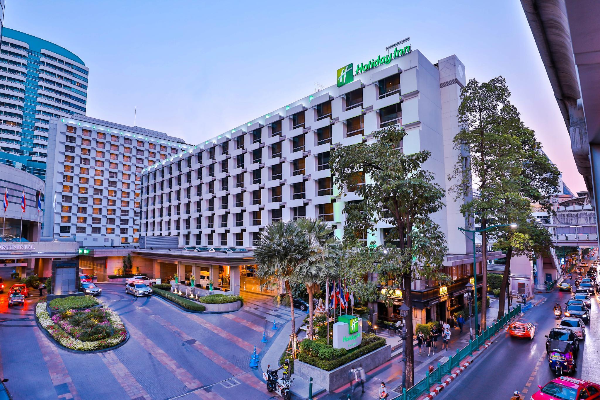 Holiday Inn Bangkok (SHA Certified)