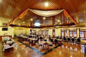 Win Unity Resort Hotel