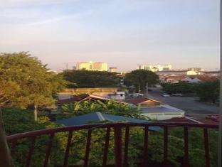 3 Rooms Apartment Tong Keng