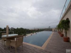 Z Luxury Suites & Serviced Apartments