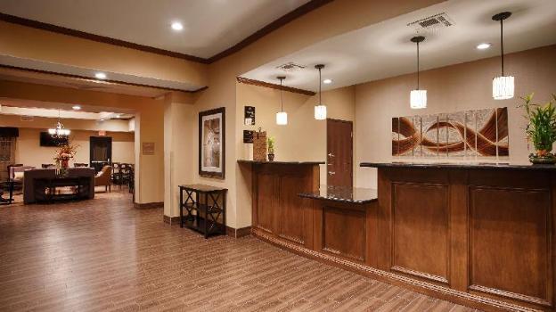 Best Western Plus Seminole Hotel and Suites
